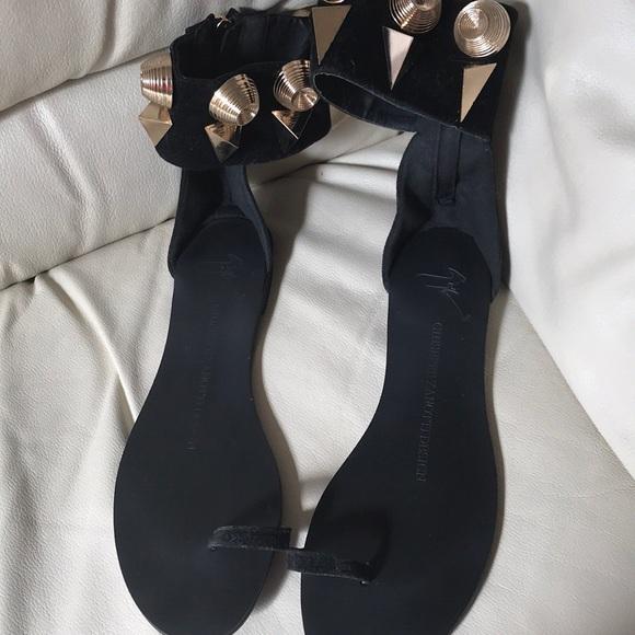bbc880f72352d Giuseppe Zanotti Shoes - Giuseppe Zanotti gold triangle toe ring sandal